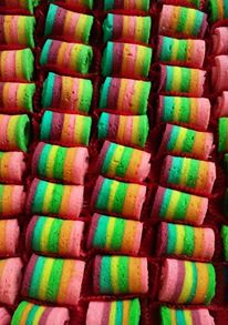 mini rainbow roll cake