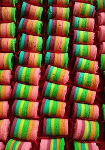 mini rainbow roll cake