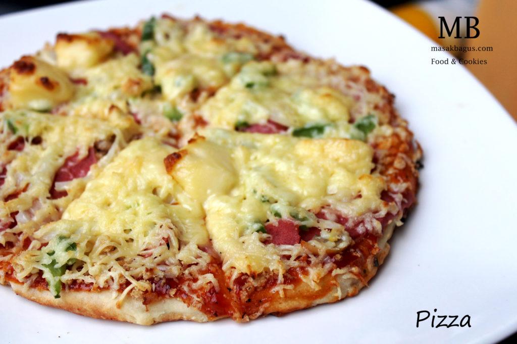 Cheese mushroom pizza